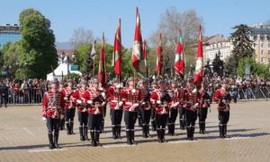 Маршируване на българската армия в София по време на празненствата на 6 май